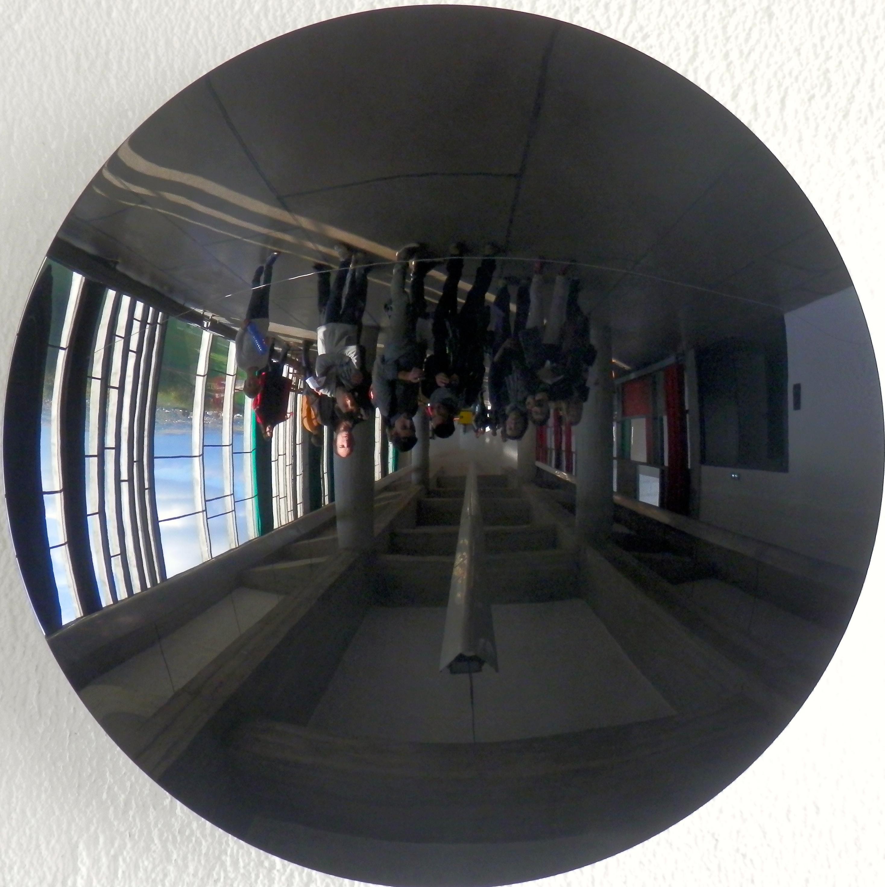 Ma traversee du miroir quand l art flirte avec le scandale for Traversee du miroir